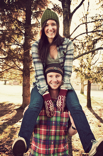Xmas couple - some rights reserved by lindsay.dee.bunny via Flickr Creative Commons